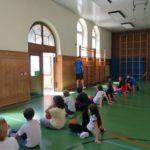 DURCHSTARTEN mit Basketball zu Besuch in den Kooperationsgrundschulen