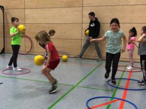 Dribbel-Spiel beim Aktionstag der Löhe-Schule 2020